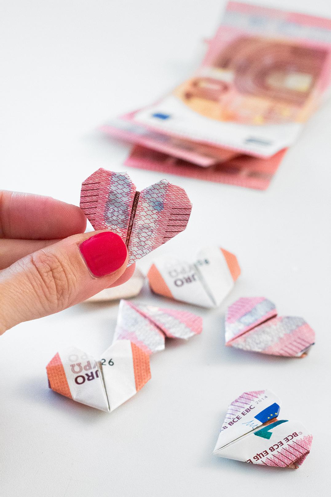 Geld falten Herz