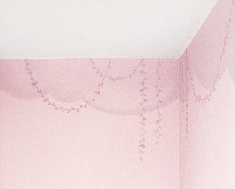 Wand bemalen lila